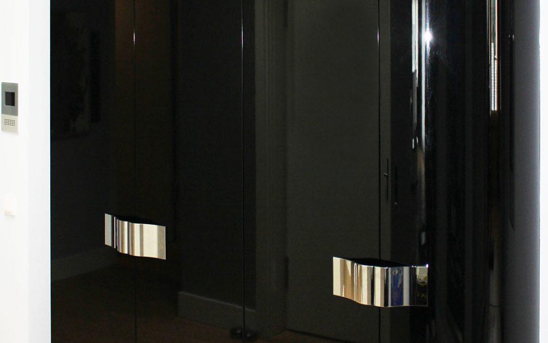 bie garderobenschrank tischlerei f r exklusiven m belbau und individuelle ma anfertigungen. Black Bedroom Furniture Sets. Home Design Ideas