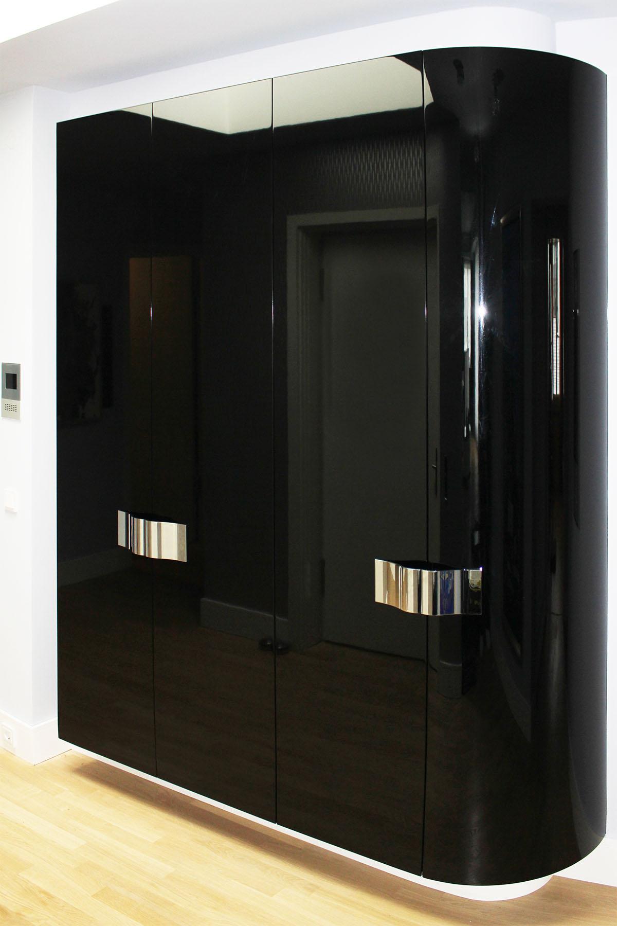 bie garderobenschrank tischlerei f r exklusiven. Black Bedroom Furniture Sets. Home Design Ideas